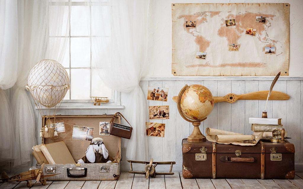 Decor cu hărți geografice
