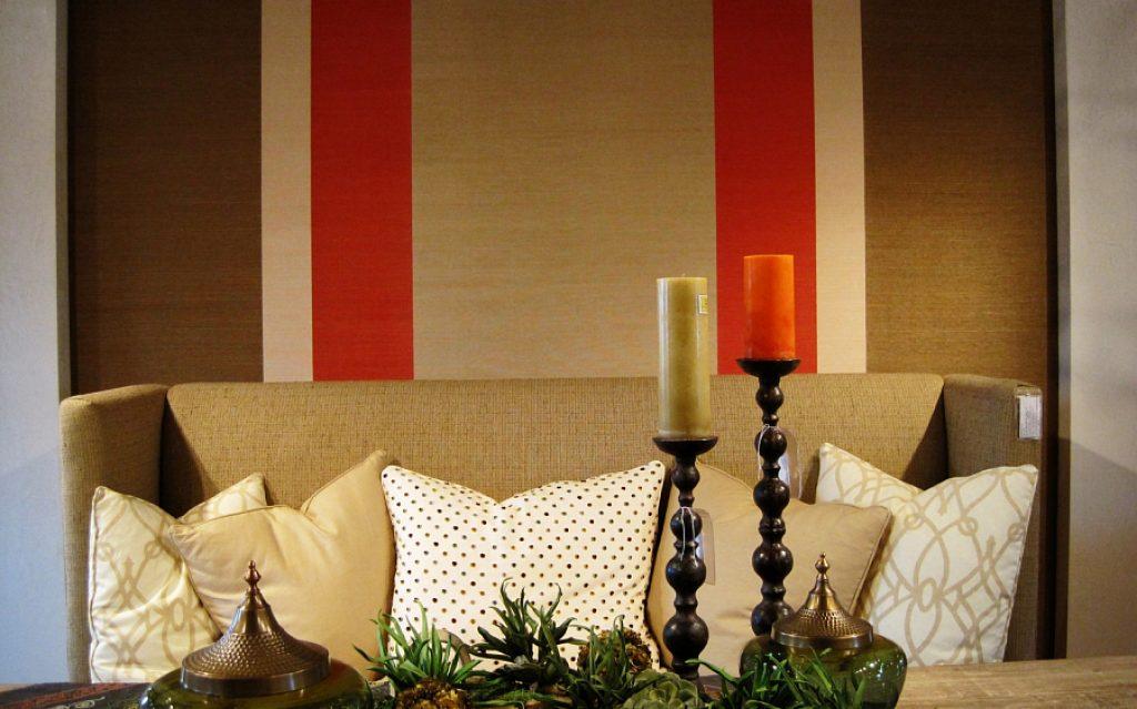 Decor de perete cu țesături multicolore