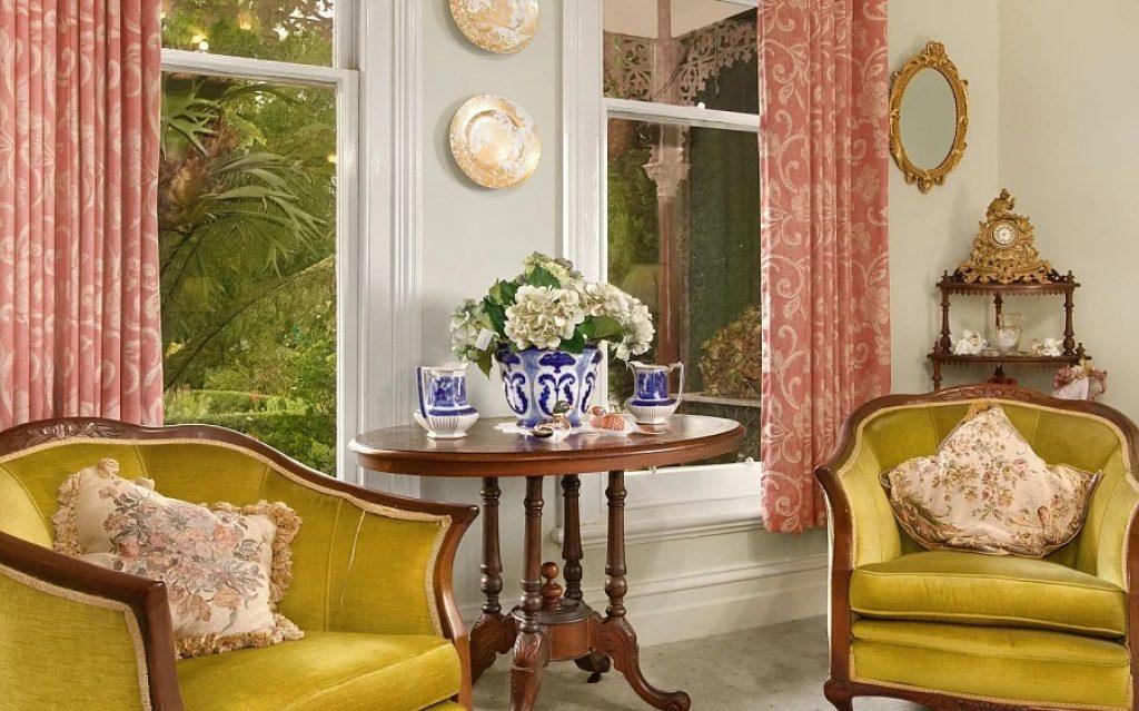 Pereti cu Farfurii decorative